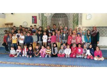Camiler Çocuklarla Dolup Taştı