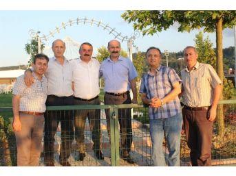 Başkan Karakullukçu, Arifiye Gölbaşı Parkta İftar Verdi