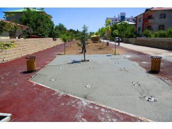 İpekyolu'nda Park Yapımı Ve Fidan Dikimi