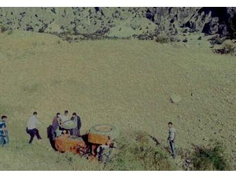 Mut'ta Traktör Devrildi: 1 Yaralı