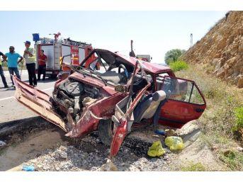 Bayram Tatiline Giderken Kaza Yaptılar: 1 Ölü, 5 Yaralı