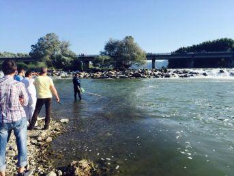 Irmakta Akıntıya Kapılarak Kaybolan Gencin Cesedi Bulundu