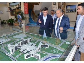 Kalkınma Bakanı Cevdet Yılmaz Adana'da