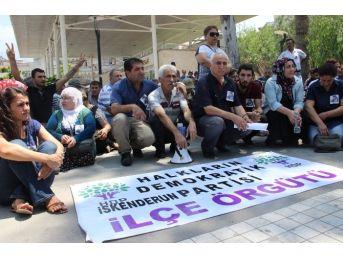 Suruç'taki Saldırıyı Oturarak Protesto Ettiler