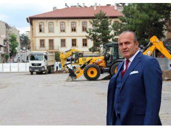 Taşköprü'de Cumhuriyet Meydanı Projesi Hızla Devam Ediyor