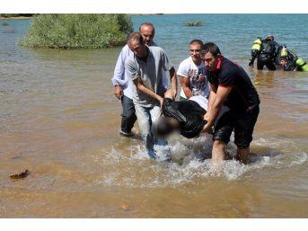 Gölette Kaybolan Üç Kişinin Cesedine Ulaşıldı