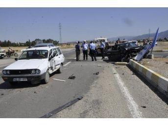 Seydişehir'de Iki Otomobil Çarpıştı: 6 Yaralı