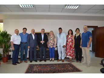 Turizm Derneği Saü Rektörü Elmas'ı Ziyaret Etti