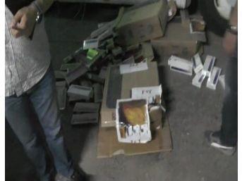 Uşak'ta Kaçak Sigara Ve Cep Telefonu Ele Geçirildi