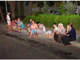 Akdeniz'deki Deprem Güney Sahillerini Salladı (2)