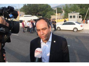 Chp'li Tümer 2 Polisin Şehit Edildiği Emniyeti Ziyaret Etti