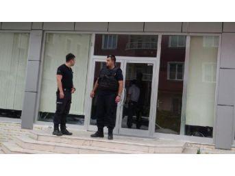 Aksaray'da Genç İşadamları Derneği'ne Operasyon: 4 Gözaltı