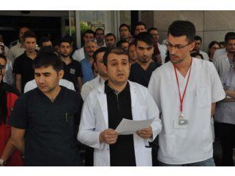 Bitlis'te Sağlık Personeline Şiddet Kınandı...