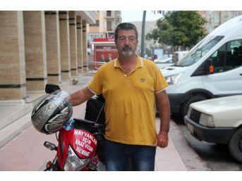Hayvan Haklarına Dikkat Çekmek İçin Motosikletiyle Şehir Şehir Geziyor