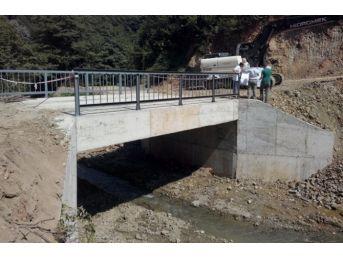 Akçakoca'da Köprü İnşaatı Tamamlanarak Ulaşıma Açıldı