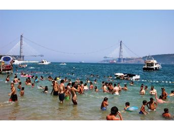 3. Köprü Manzaralı Plaj Keyfi