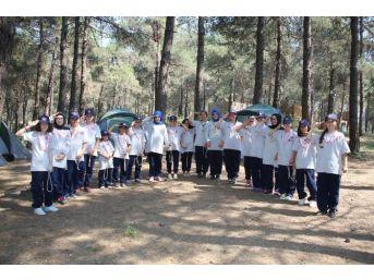 Kimsesiz Çocuklar Başakşehir İzci Kampı'nda Kardeşleriyle Buluştu