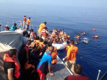 3 Günde 2 Bin 727 Göçmen Kurtarıldı
