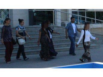 23 Ayrı Hırsızlık Suçuna Karıştıkları İddia Edilen 3 Kadın Serbest Kaldı