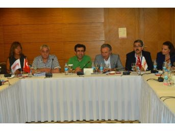 Kocaeli Valisi Güzeloğlu, Türsab Bölge Başkanları Toplantısına Katıldı