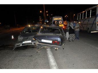 Seydişehir'da İki Otomobil Çarpıştı: 1 Yaralı