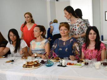 Başkan Yardımcısı Uygur, Hanımlar Lokali'nin Üyeleriyle Bir Araya Geldi