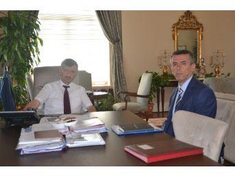 Kırkağaç Kaymakamı Ali Sırmalı'dan Vali Bektaş'a Veda Ziyareti