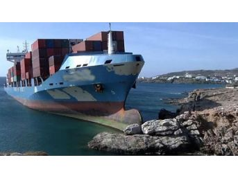 Akdeniz'de Kargo Gemisi Karaya Oturdu