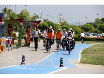 4 Akademisyen Muğla'dan Brüksel'e Pedal Çeviriyor