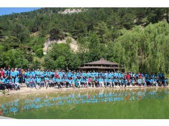 Gençlik Kampları Gençlere Tatil İmkanı Sunuyor