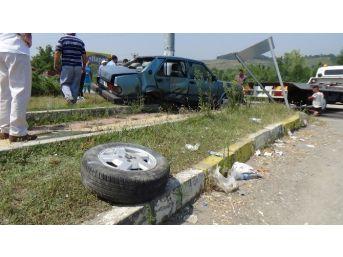 Kamyon Sürücüsü, Hatalı Sollayan Otomobile Çarptı: 1 Yaralı