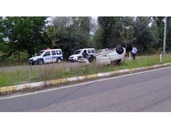 Takla Atan Otomobilden Burunları Bile Kanamadan Çıktılar