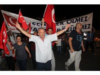 Başkent'te Şehitler İçin Dev Bayraklı Yürüyüş