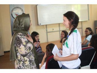 Pomak Gençler Bursa'da Türk Kültürünü Öğreniyor