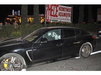 E-5'te Seyir Halindeki Lüks Otomobile Silahlı Saldırı