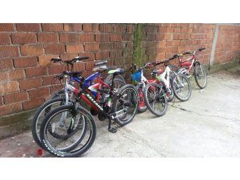 Bisiklet Hırsızları Tutuklandı