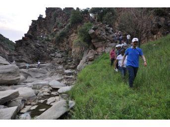 Uşak'ın Doğa Harikası Taşyaran Vadisine Yatırım Planlanıyor