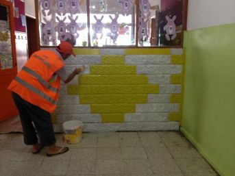 Adana'da Okullar Hükümlülerin Ellerinde Renkleniyor
