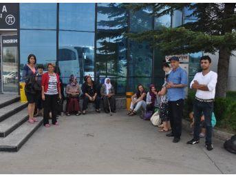 Otobüs Bozulunca Yolcular 8 Saat Mahsur Kaldı