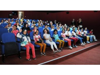 Altındağ Ve Keçiörenli Çocuklar Sinema Tebessüm'de Buluştu