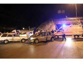 Beypazarı'nda Düğün Dönüşü Trafik Kazası: 2'si Ağır 6 Yaralı