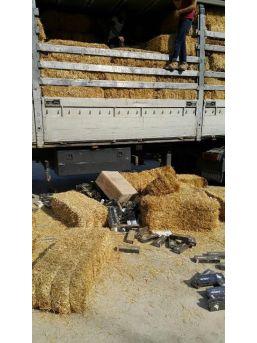 Saman Balyası Arasında 34 Bin Paket Kaçak Sigara Ele Geçti