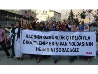 Hakkari'de 'irademe Dokunma' Yürüyüşü Düzenlendi