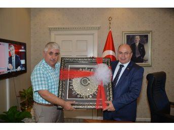 Sorgun Belediye Başkanı Şimşek, Vali Çiçek'i Makamında Ziyaret Etti