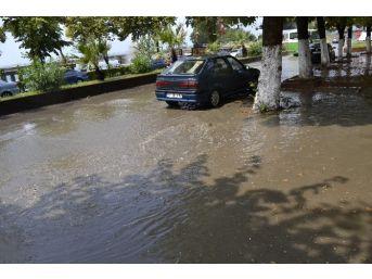 Alaplı'da Sağanak Yağış Ve Dolu Etkili Oldu
