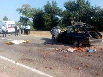 Lastiği Patlayan Otomobil Takla Attı: 1 Ölü, 3 Yaralı