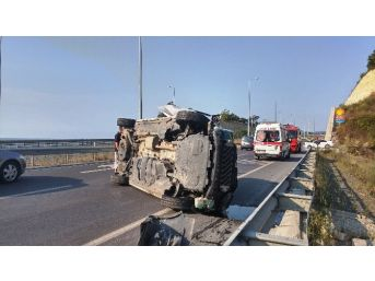 Otomobil Tünel İçinde Takla Attı: 4 Yaralı