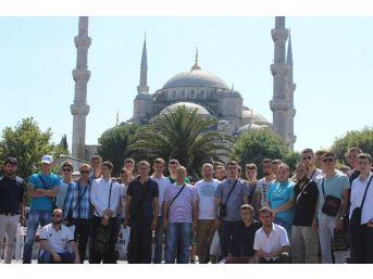Dört Ülkeden 175 Genç Türkiye'de