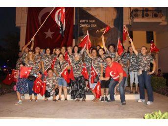 600 Metrelik Bayraklı, Gelin- Damatlı Zafer Bayramı Kutlamas...