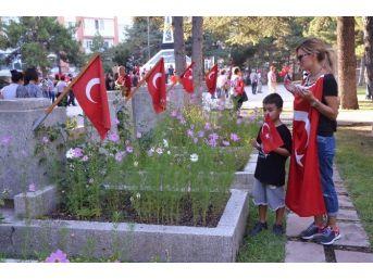 Eskişehir'de Teröre Karşı Birlik Yürüyüşü